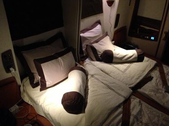 Singapore A380 Suites Double Bed